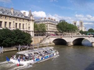 009-bateau-mouche-pont-st-michel-bp-1